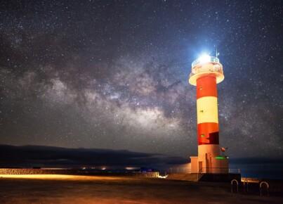 lighthouse-3469408_1280